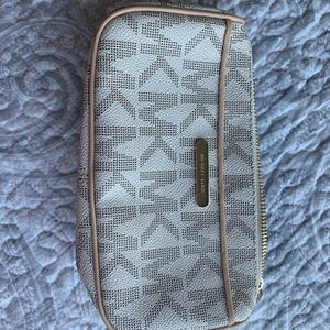 Micheal Kors pouch with card slots